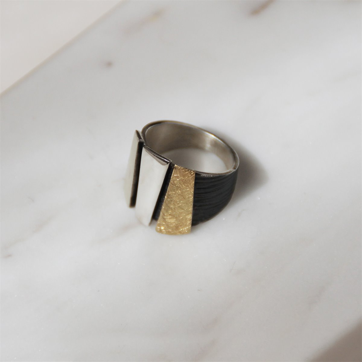 SILVER & GOLD RING.  R1853