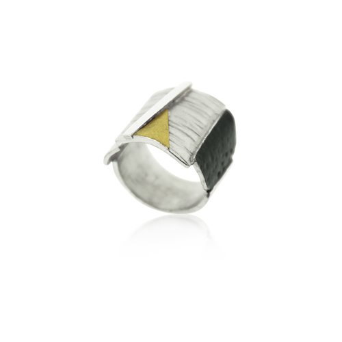 SILVER & GOLD RING.  R1877