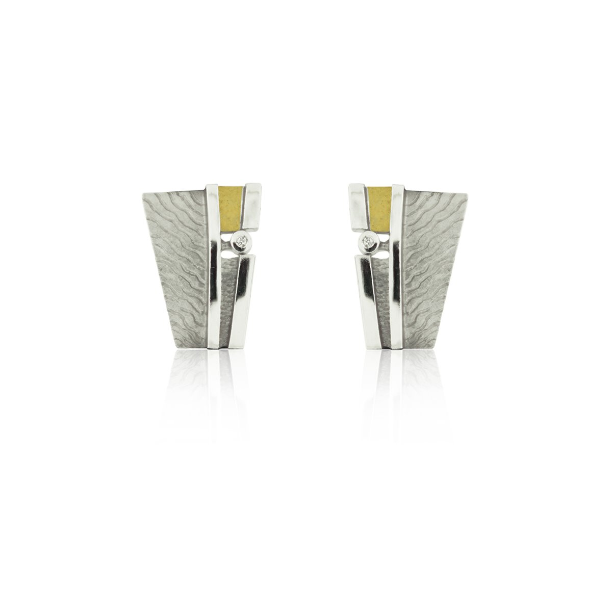 SILVER & GOLD EARRINGS WITH DIAMOND .  E1914
