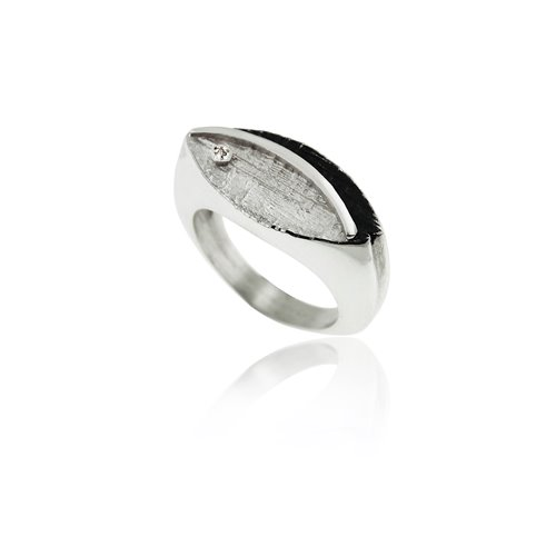 SILVER RING WITH DIAMOND.  R1941