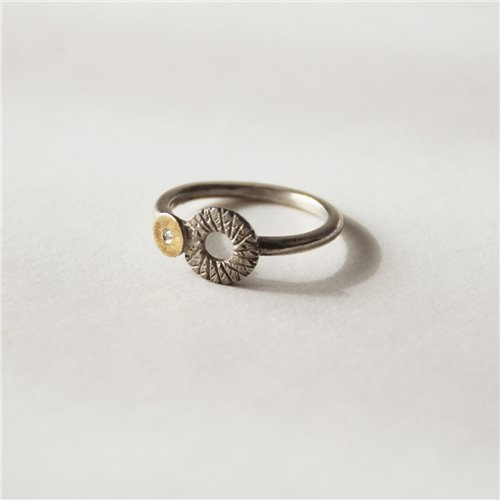 SILVER & GOLD RING w/ DIAMOND. R1758D