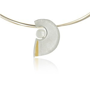 SILVER & GOLD PENDANT WITH PEARL. P1776